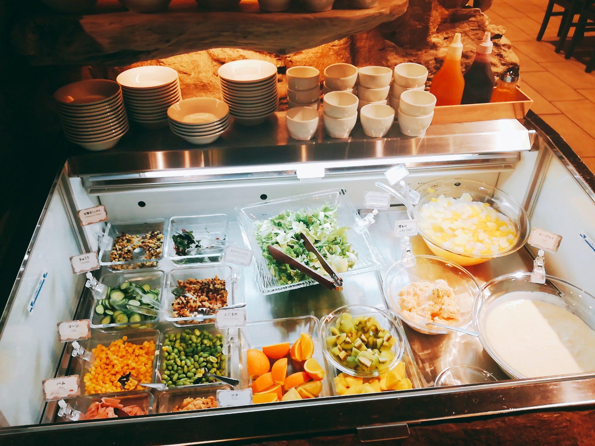 変なホテル舞浜東京ベイの朝食バイキングのパワーサラダ