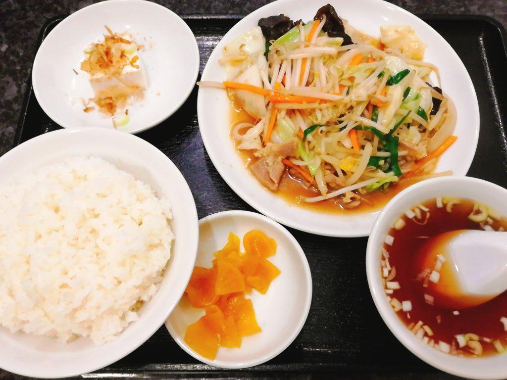 品香園の野菜炒め定食