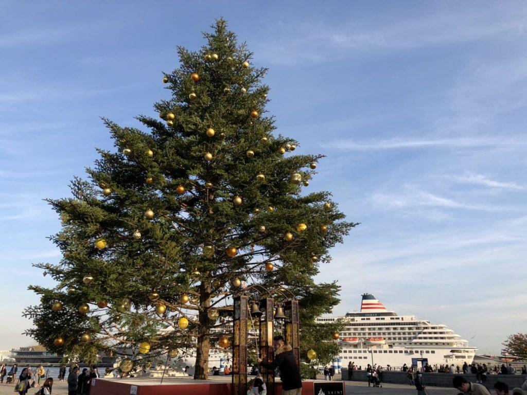 横浜クリスマスマーケットのクリスマスツリー