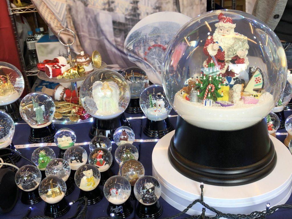 横浜クリスマスマーケットで買えるスノードーム