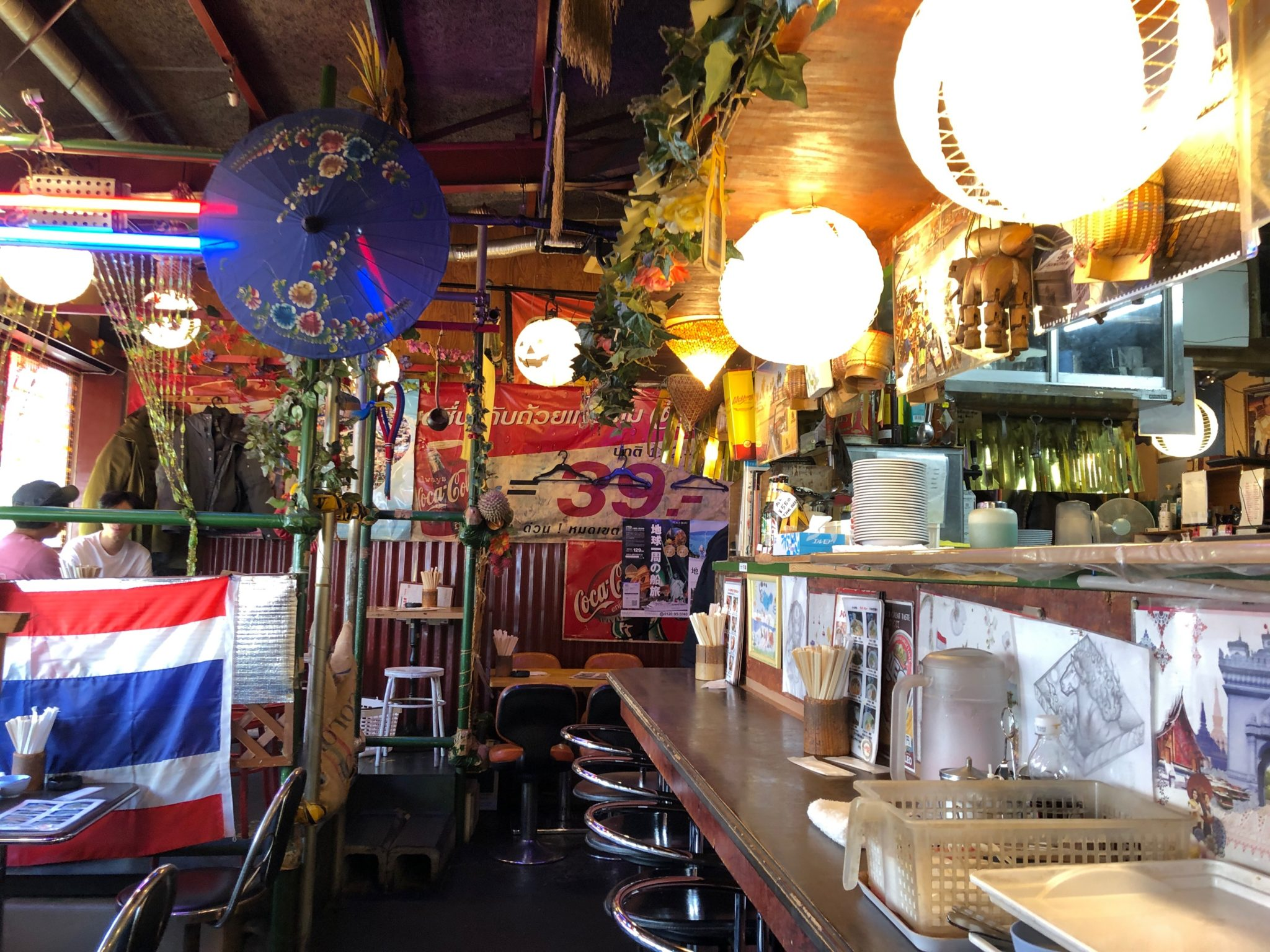 バーンキラオ下北沢店の店内は現地の雰囲気
