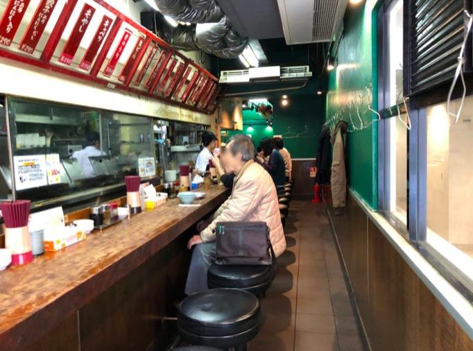 東京餃子楼の店内の様子