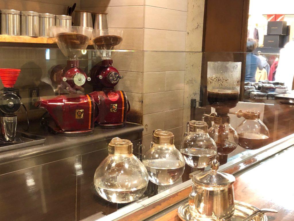 コーヒーミキはサイフォン式の本格的なコーヒが飲める店
