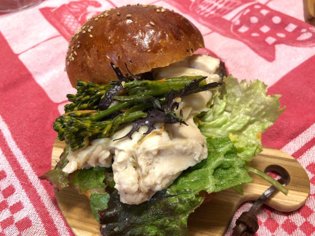 Tolo Pan Tokyo(トロパン)のバンズを使ってハンバーガーを作った