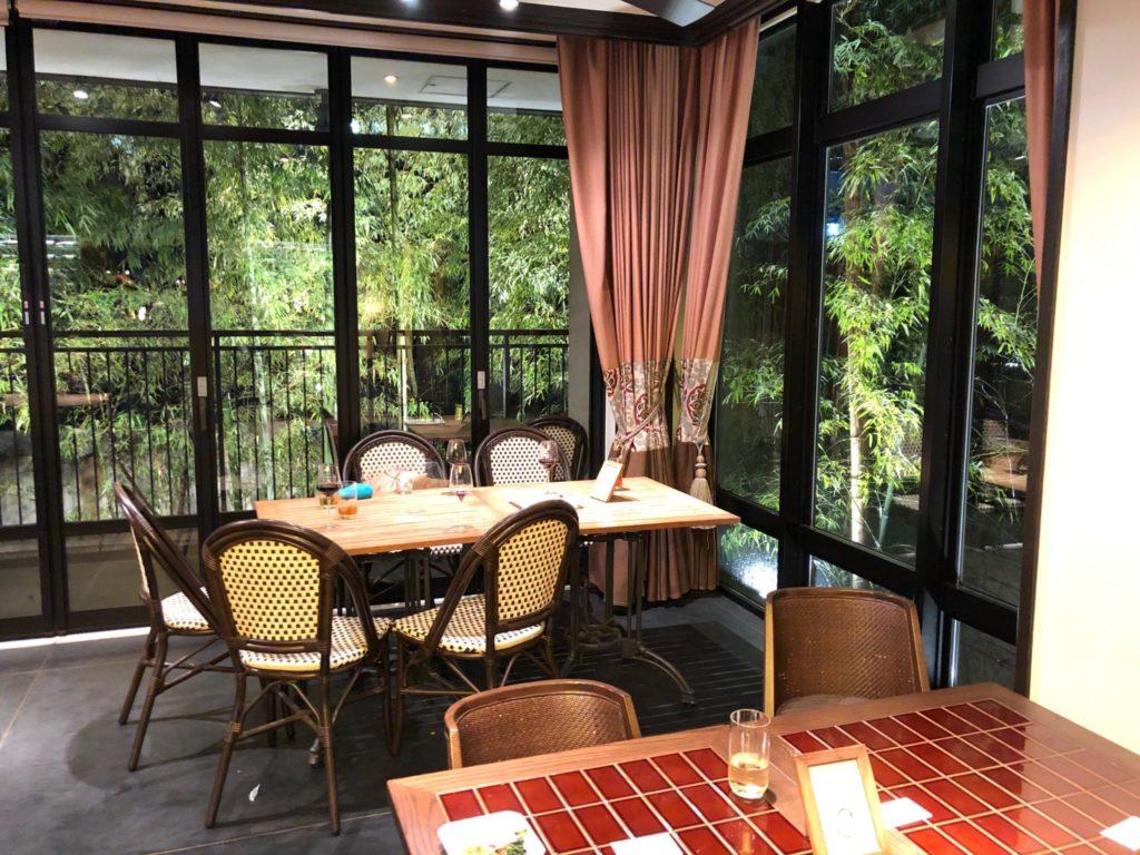 クラシカ表参道のレストランの席