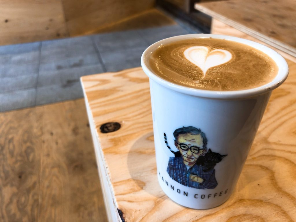 カンノンコーヒーのカフェラテ