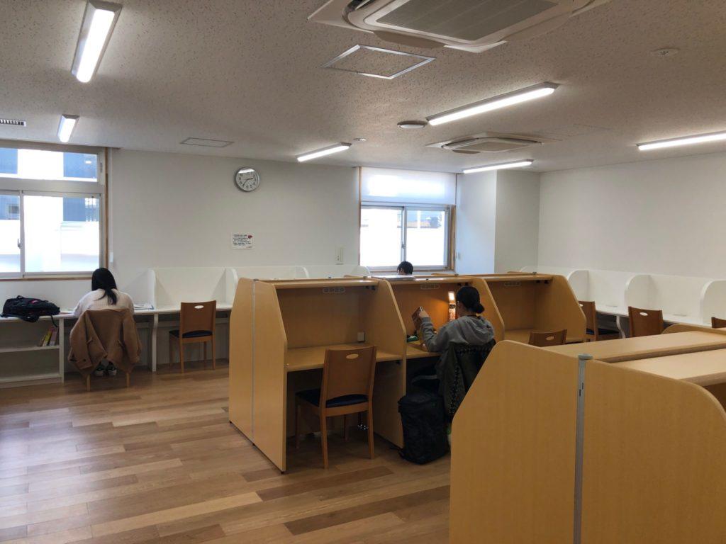 希望丘青少年交流センターの学習室
