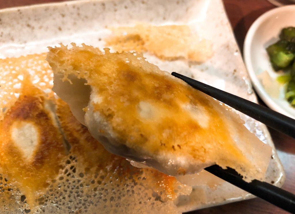 京城餃子王の餃子は羽根つきで美味い