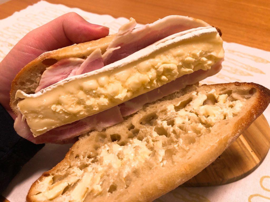 カイソのサンドイッチはバターたっぷり
