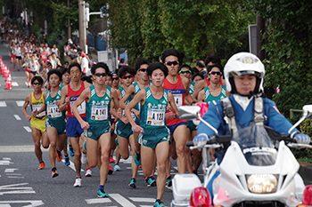 世田谷246ハーフマラソンランナーの様子