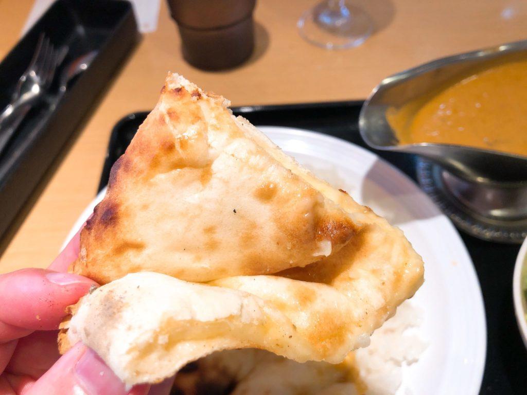 印度のチーズナン