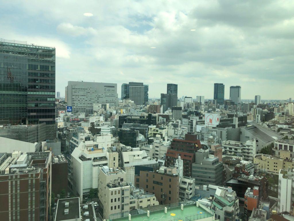 渋谷区役所の展望台の眺め(東急本店側)