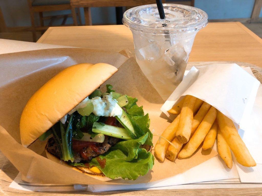the サードバーガーのハンバーガー