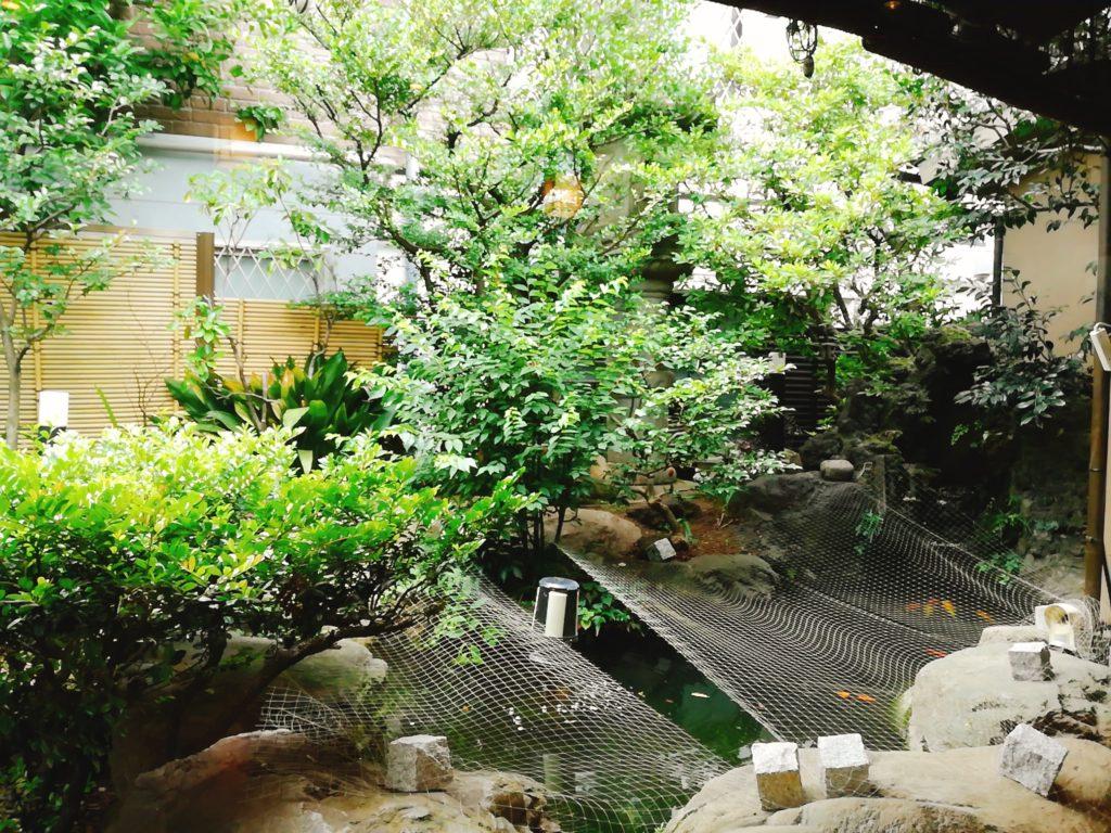 茶そばいな垣は日本庭園がきれい