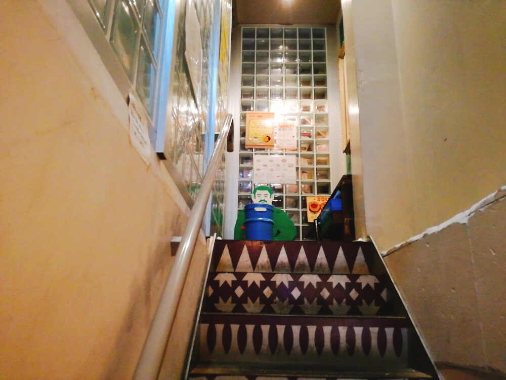 ポニピリカ 下北沢の階段