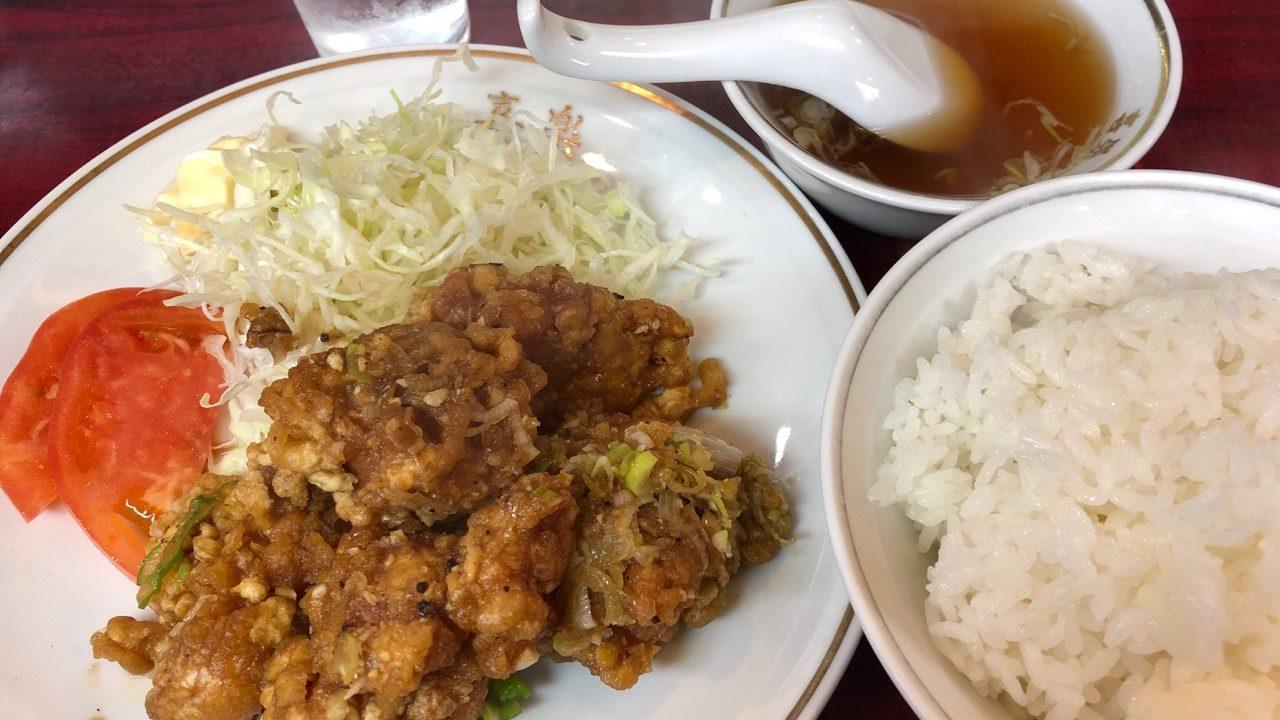 【喜楽 松陰神社前】唐揚げ定食がニンニクMAXで絶品!麺類は半ライスサービスで量も納得