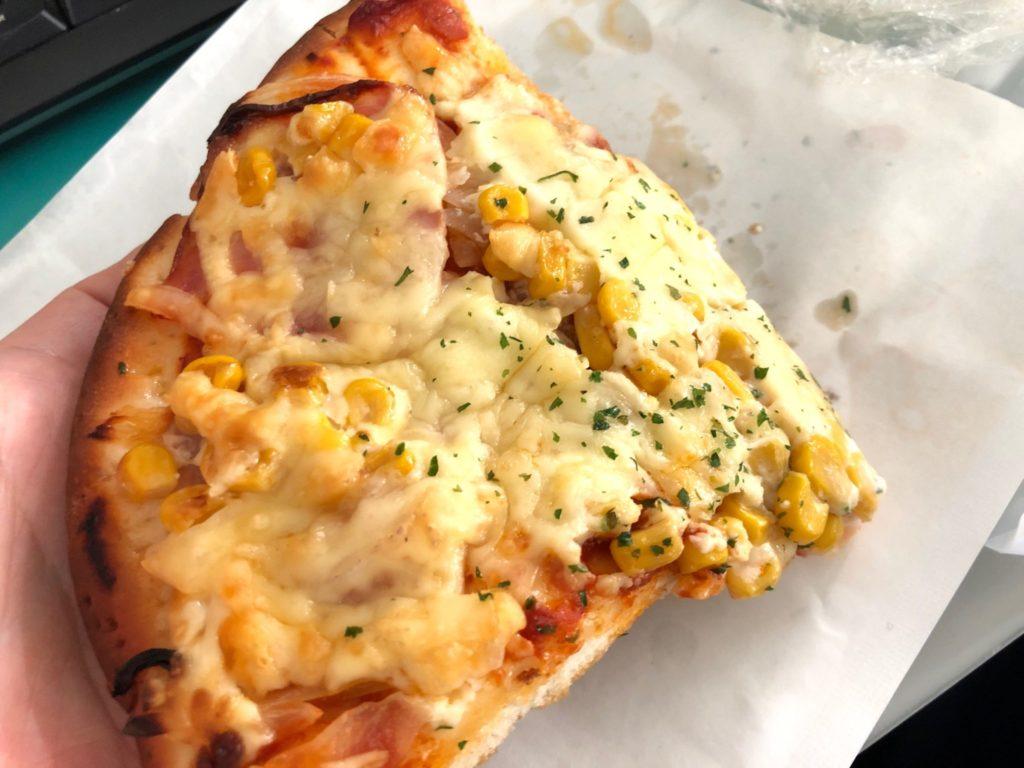 パンの杜代田木村屋のマヨコーンピザ