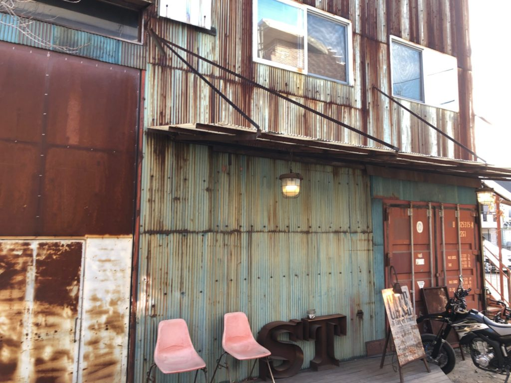 ソウルツリー(Cafe Soul Tree)二子玉川は一見ただの倉庫に見える