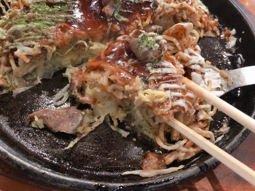 府中焼きはパリパリの中華麺が美味しい