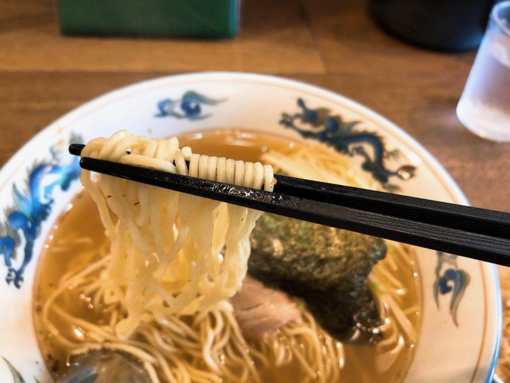 松波ラーメンの支那そばは細麺