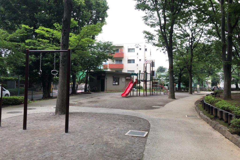 世田谷区にある希望ヶ丘公園のアスレチック遊具