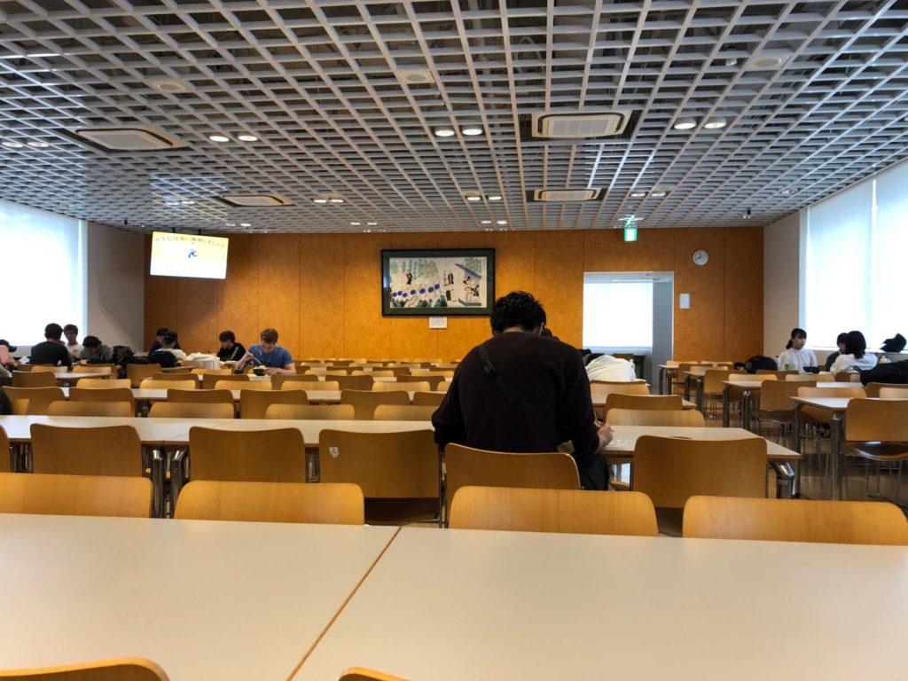 日本体育大学学食の店内の様子