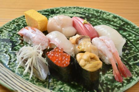 立食寿司 根室花まる 丸の内oazo店のメニュー