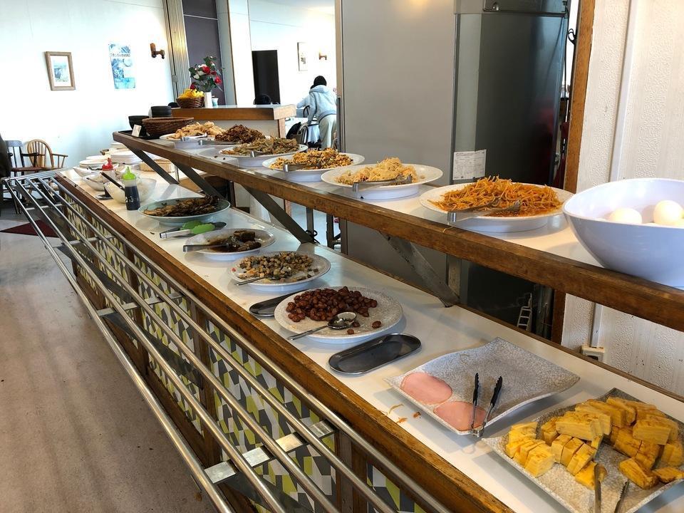 大島温泉ホテルの朝食バイキング会場