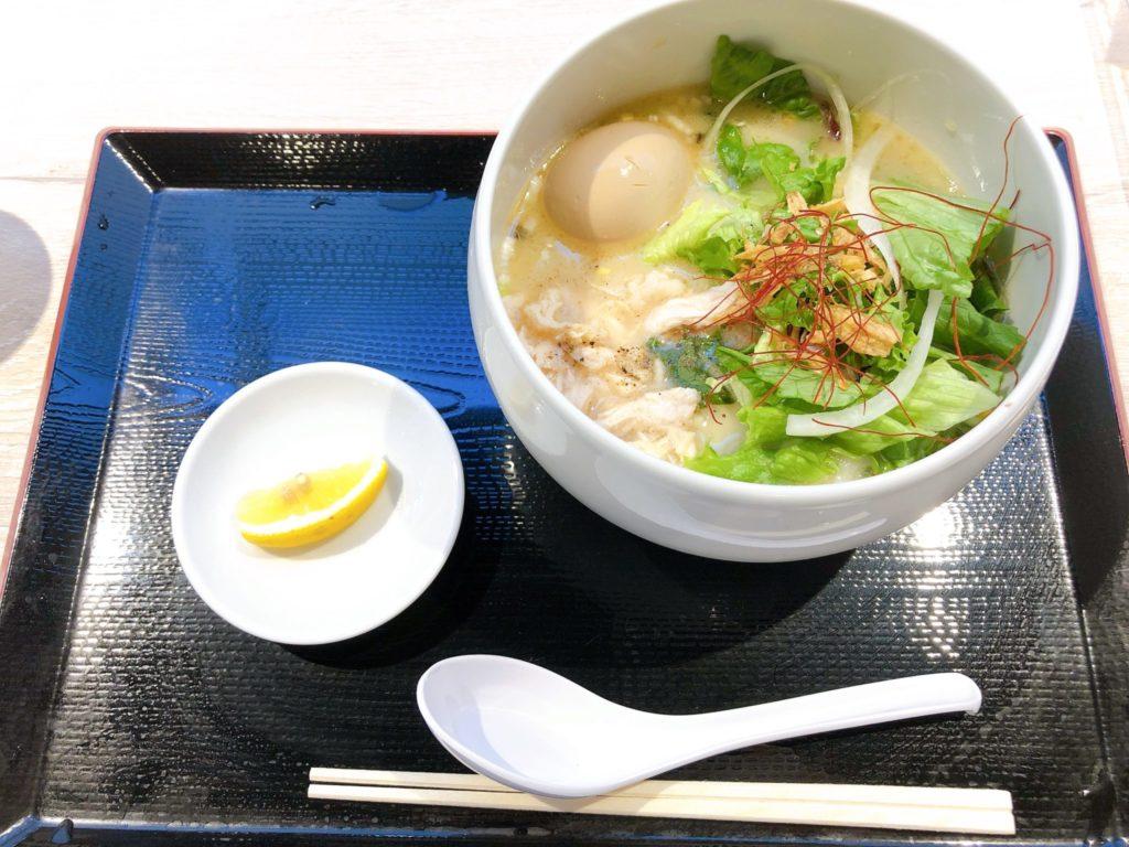 蔭山樓 南町田グランベリーパーク店の鶏白湯麺