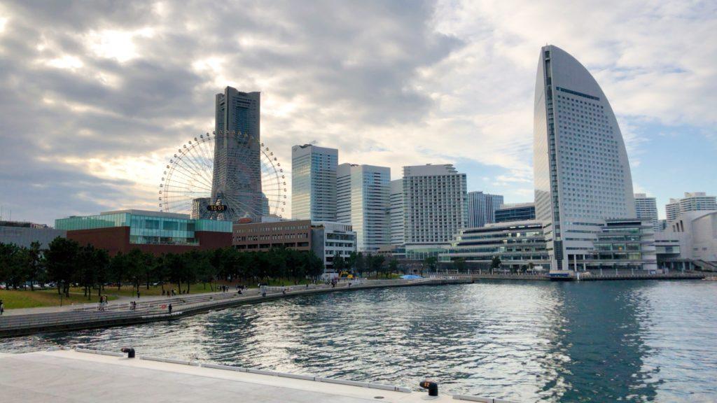 みなとみらい横浜ハンマーヘッドから見るコスモワールド