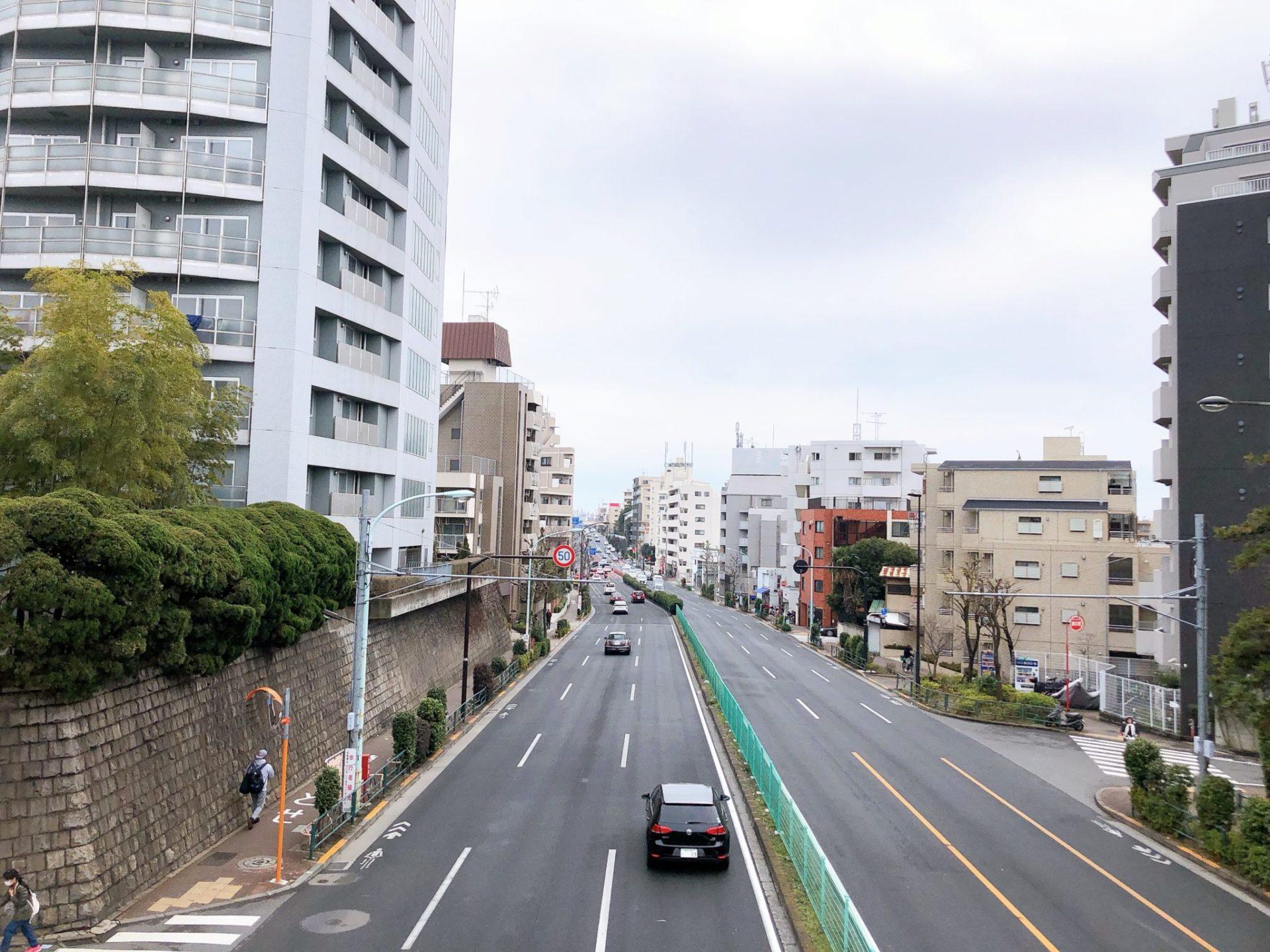 代田八幡歩道橋から環七を撮影