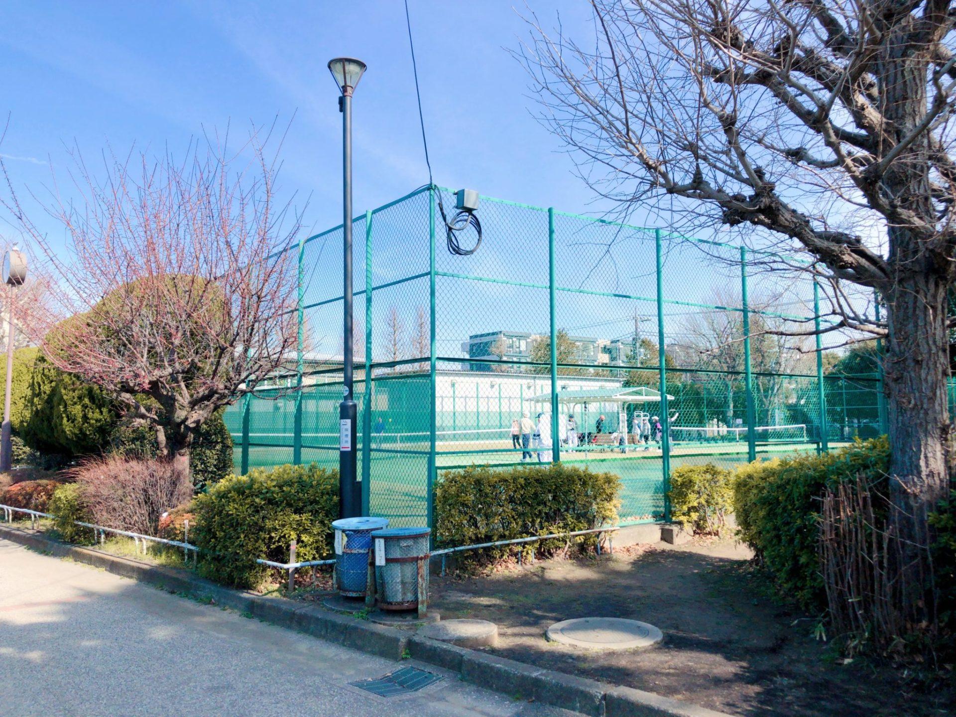 玉川野毛町公園のテニスコート