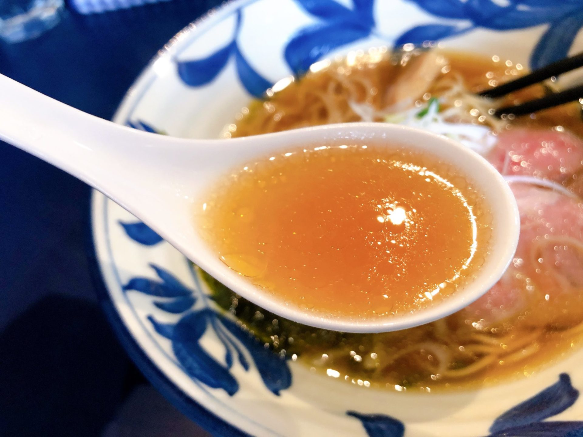 梅ヶ丘の支那そばや 世田谷磯野の醤油スープ