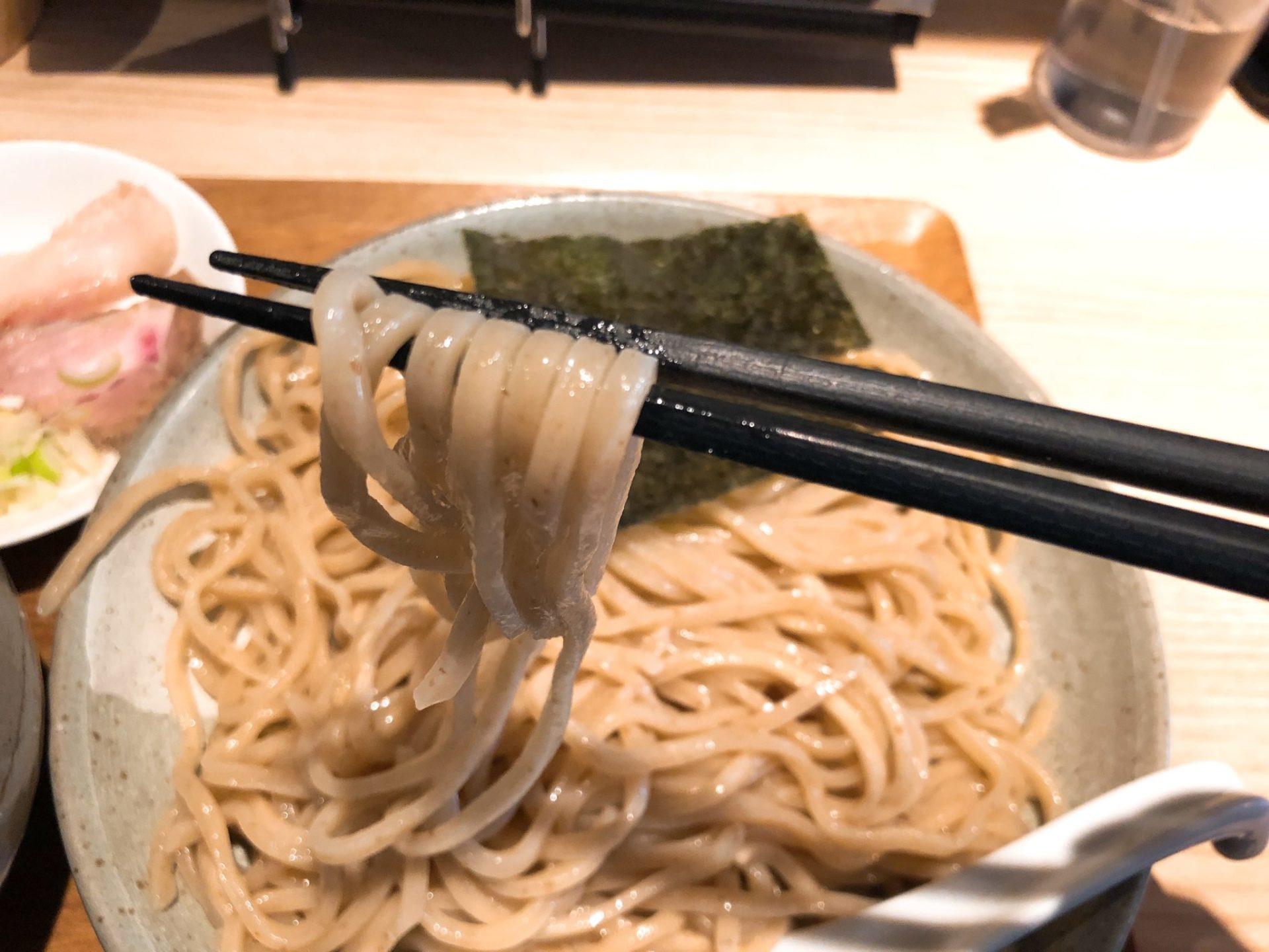 ボノボ 梅ヶ丘の渡り蟹のつけ麺は中太麺