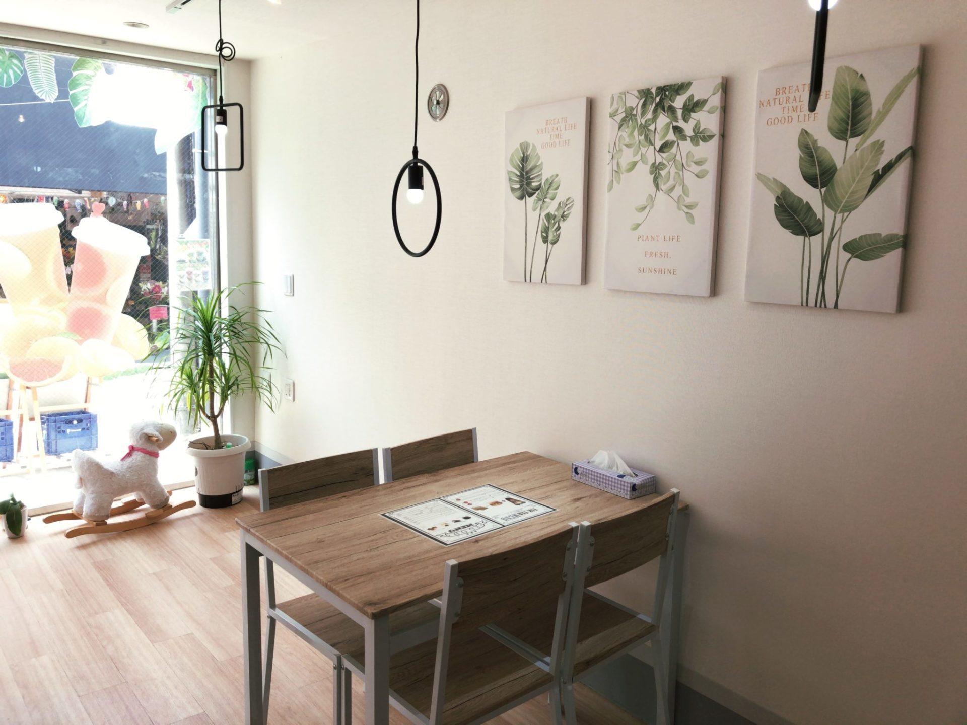 Tik Tea 豪徳寺店のテーブル席