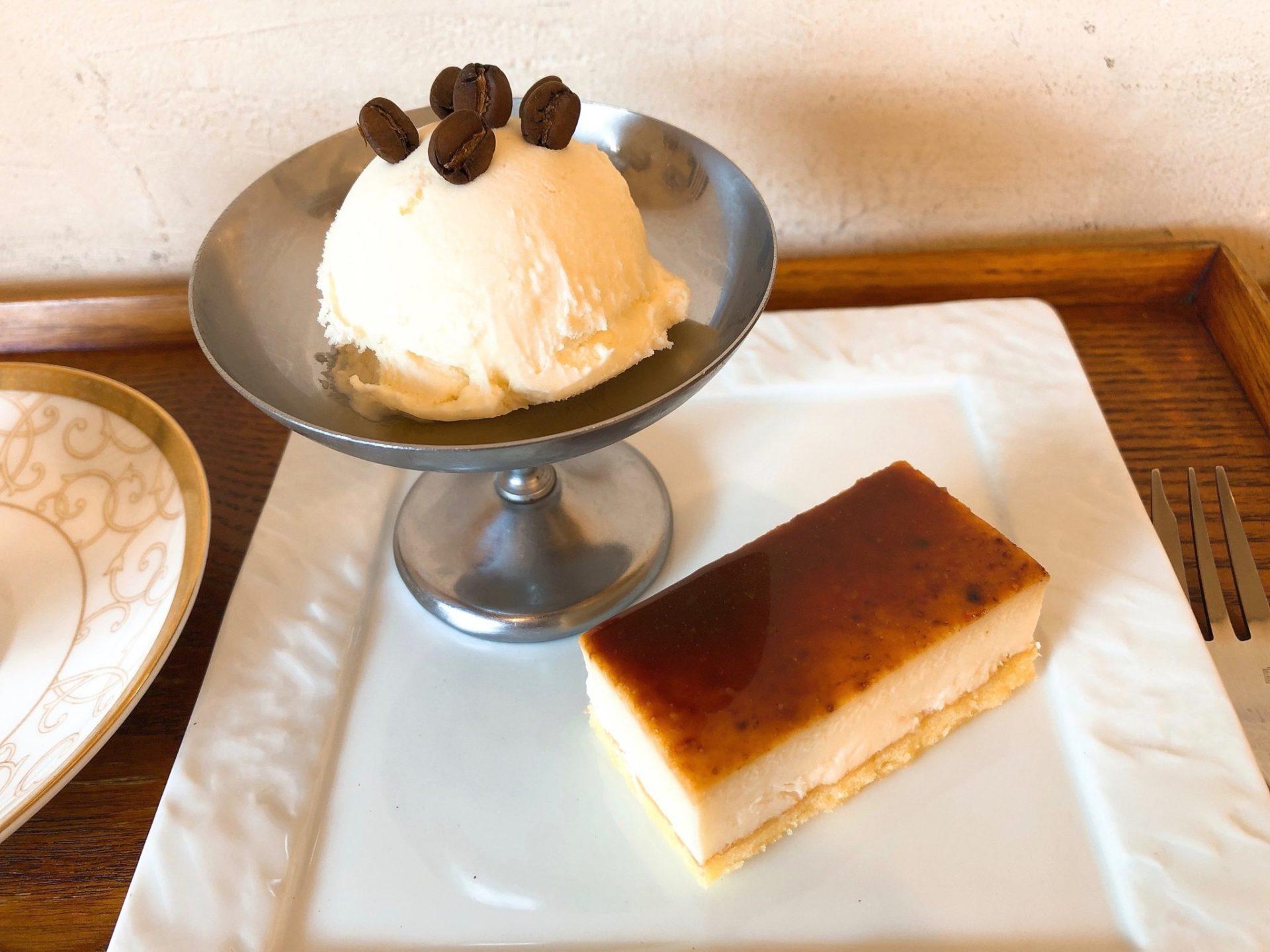 焙煎コーヒー専門店ビーンズ喜多見のレアチーズケーキ