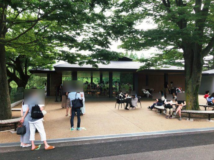スターバックスコーヒー 新宿御苑店の外観