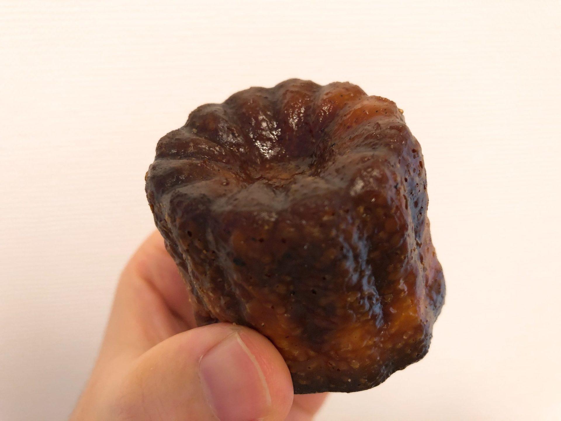 ジュウニブンベーカリー 三軒茶屋本店のパン(カヌレ)