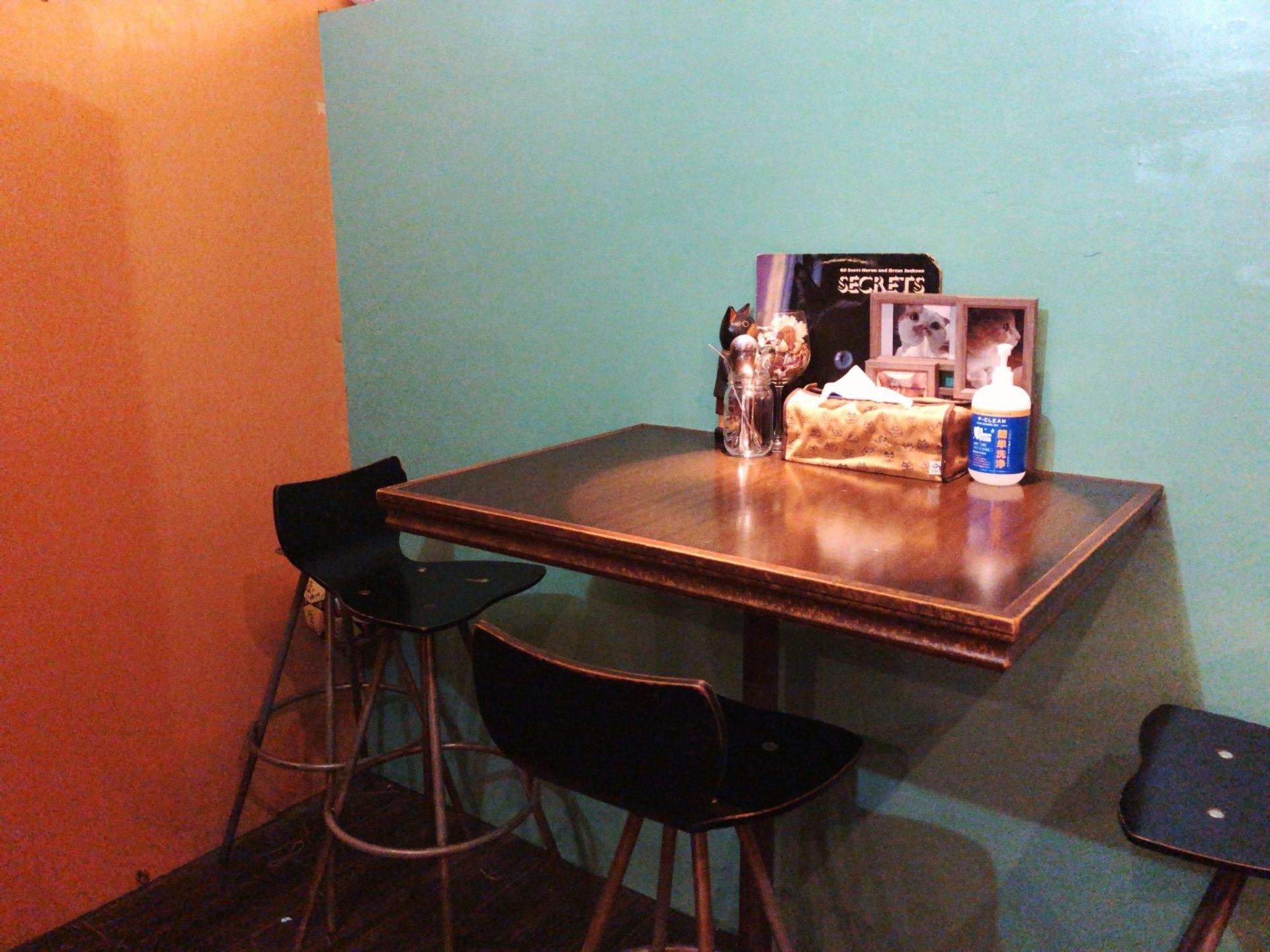 パリーカリー 梅ヶ丘のテーブル席