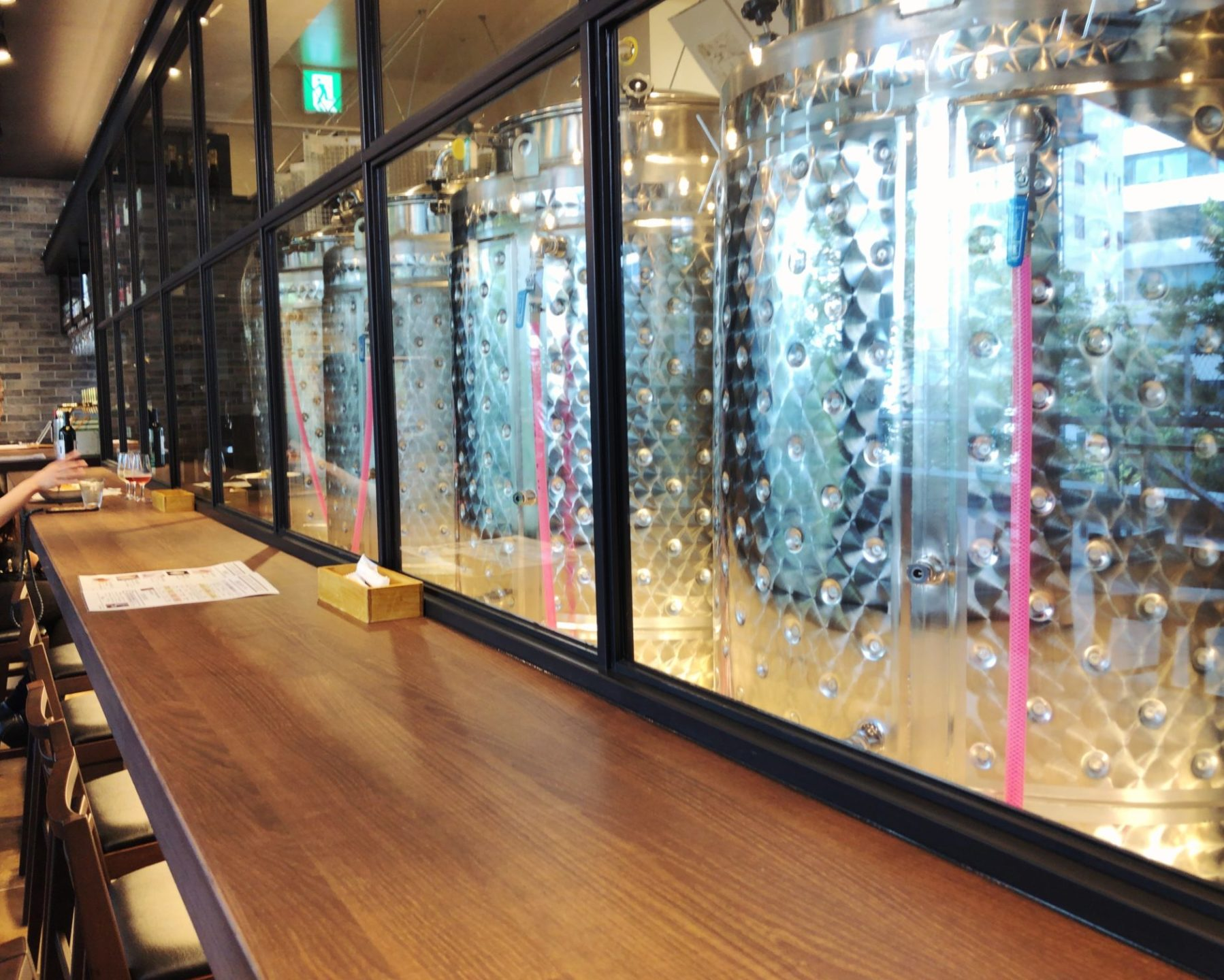 渋谷ワイナリーのカウンター席