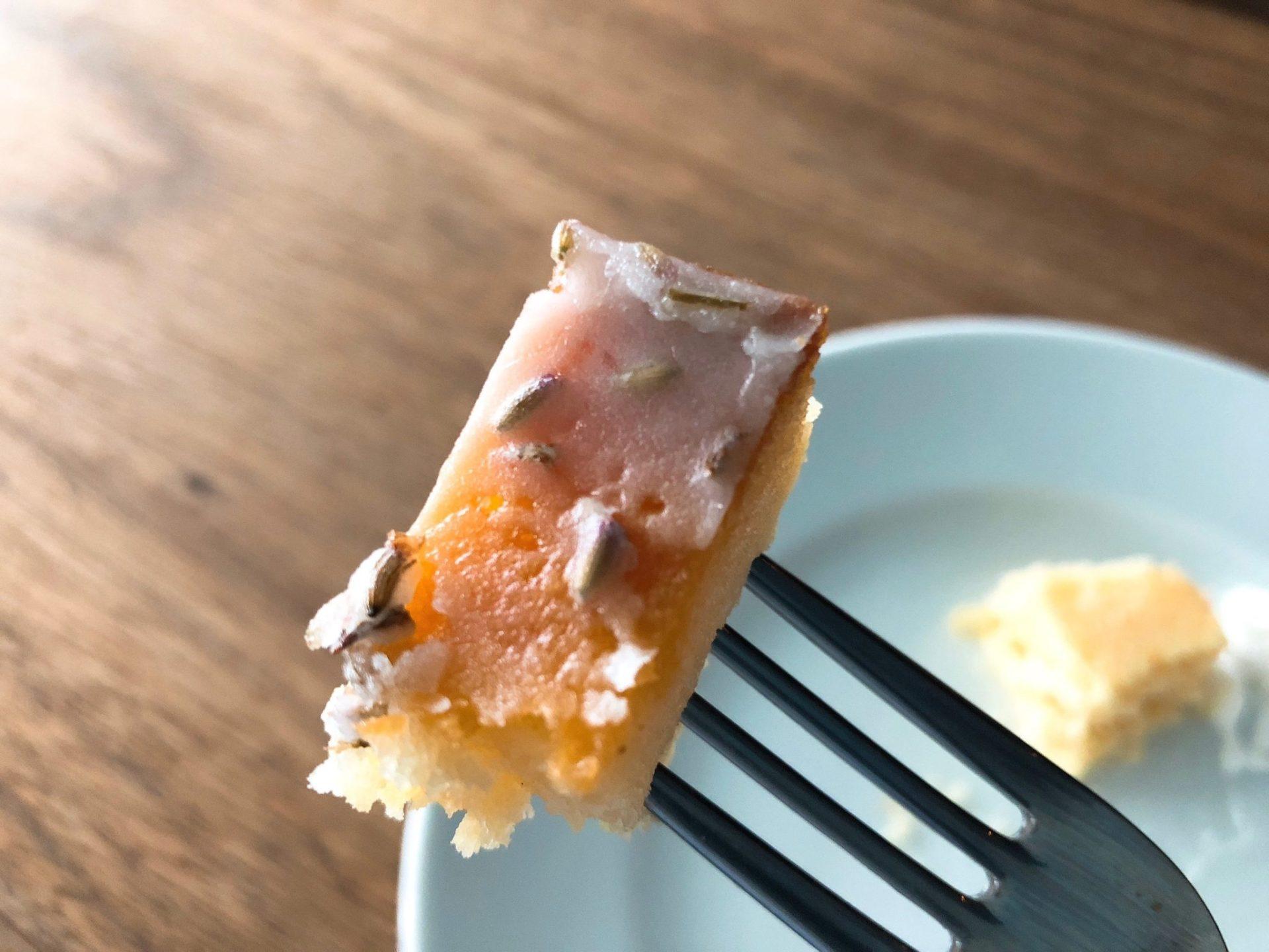 小川珈琲ラボラトリー桜新町のレモン・ラベンダーパウンドケーキ