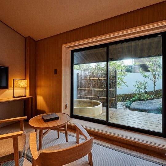 下北沢温泉の露天風呂付デラックスツインルーム