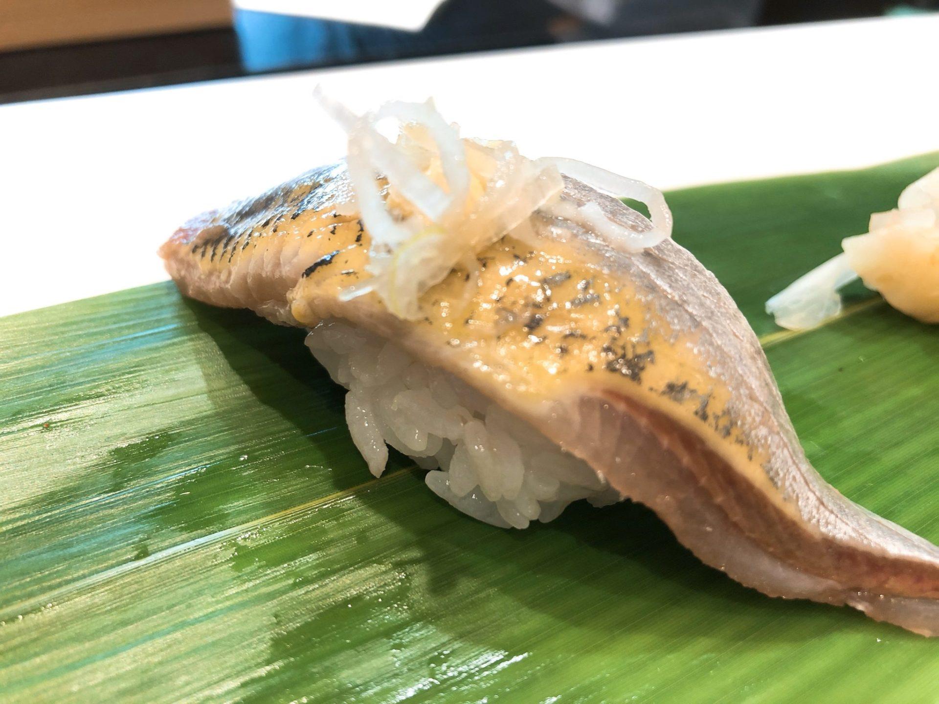 立食い寿司 根室花まる 神宮前店(原宿店)のいわし