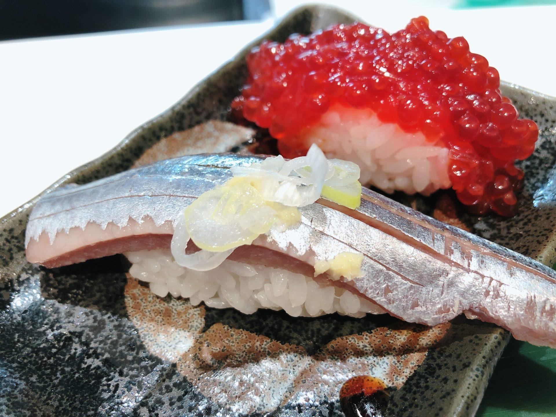 立食い寿司 根室花まる 神宮前店(原宿店)のサンマ