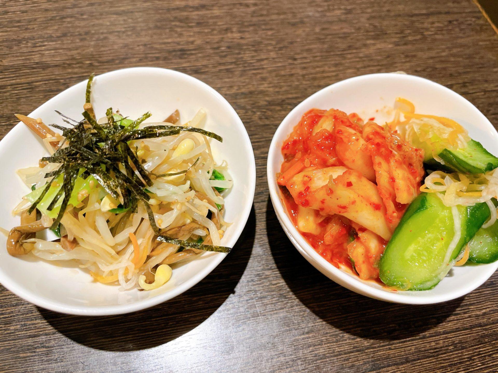 焼肉芝浦 駒沢本店のナムル・キムチ