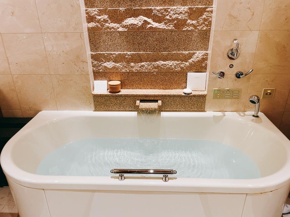 ペニンシュラ東京のバスルームお風呂