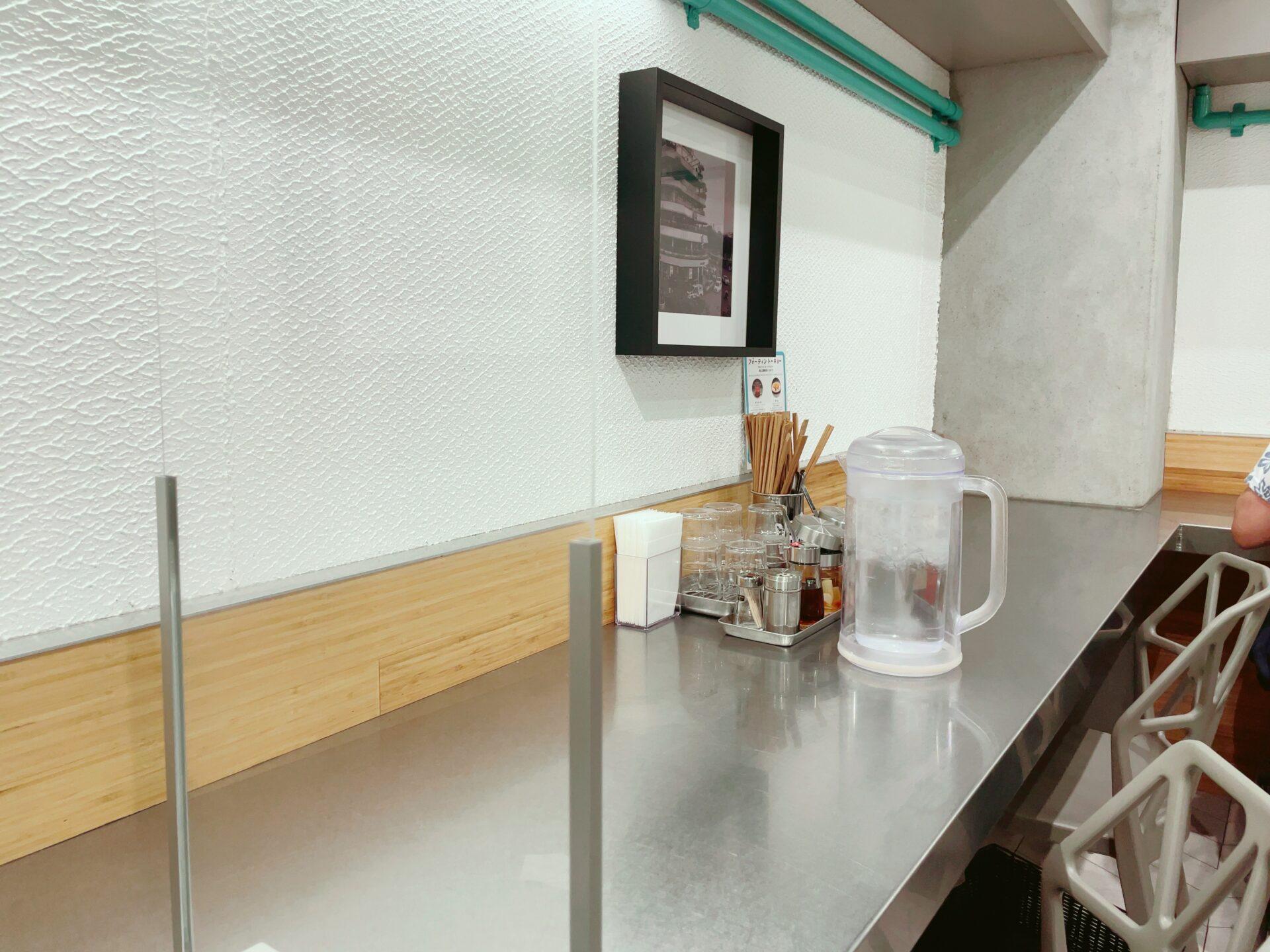 フォーティントーキョー 新宿店のカウンター
