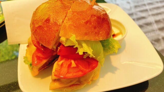 """【雅叙園】ラウンジ""""パンドラ""""でモーニング!ハンバーガーが美味い"""