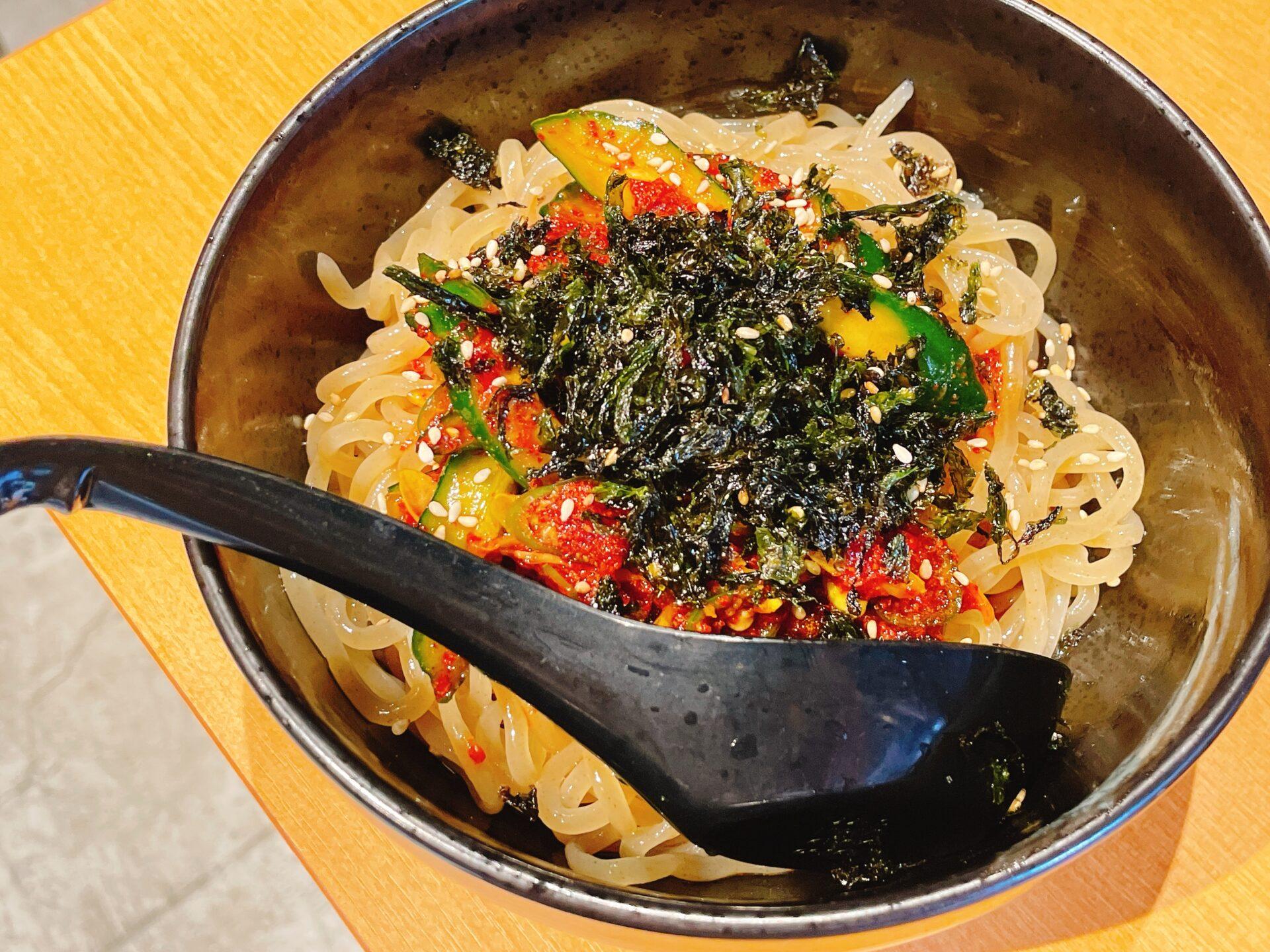 ホルモン青木 下北沢店のランチ ビビン麺